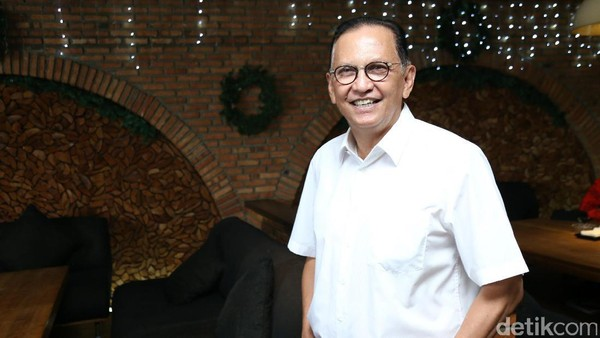 Roy Marten Tutup Mulut Ketika Disinggung Alasan Perceraian Gading-Gisel