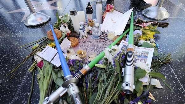 Hollywood Walk Of Fame untuk Carrie Fisher