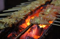 Sate ayam asli Indonesia.