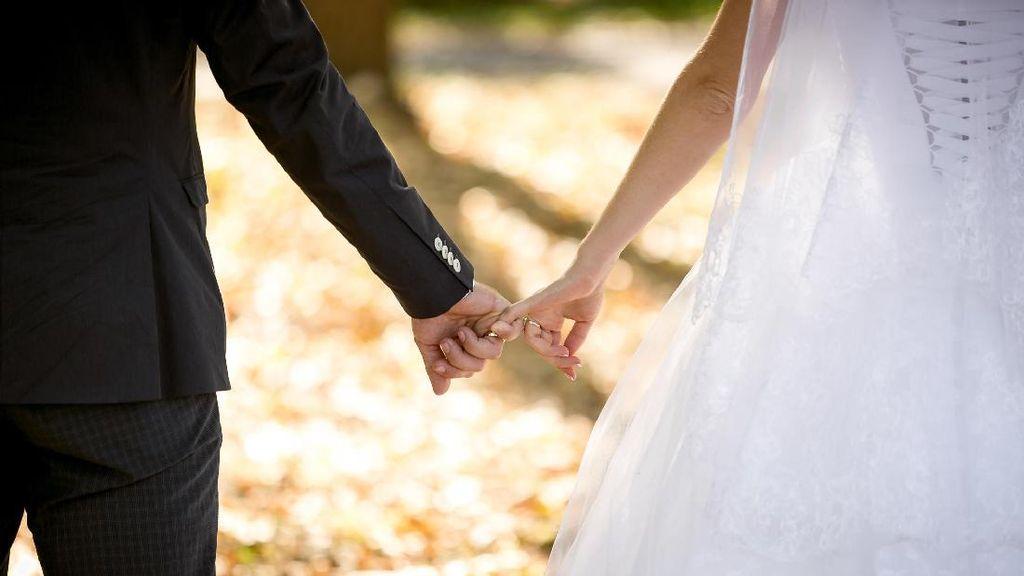 Kenapa Pria Memilih Menikahi Wanita yang Lebih Tua?
