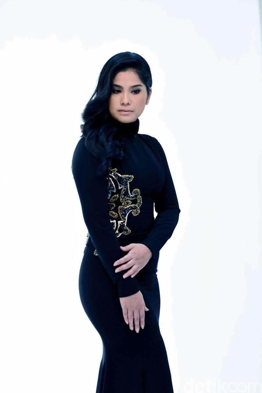 Kembali Jadi Model, Annisa Pohan Cantik Banget