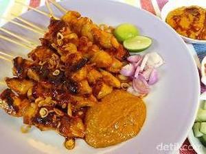 Lapar Malam-malam Netizen Pilih Jajan Sate Ayam Enak Ini