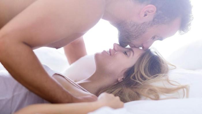 Posisi seks tertentu diklaim secara ilmiah bisa meningkatkan peluang kehamilan. (Foto: ilustrasi/thinkstock)