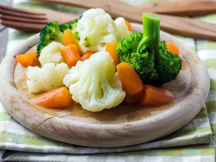 6 jenis sayuran terbaik yang bisa dijadikan sebagai teman diet penurunan berat badan/Foto: iStock