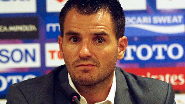 Simon McMenemy mengatakan tetap ingin fokus di Liga 1 melatih Bhayangkara FC. (
