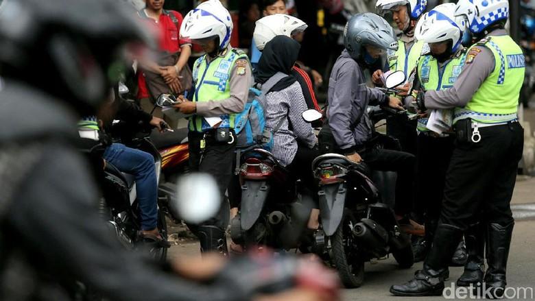 Viral Kisah Bocah Nangis Saat Ditilang Berujung Dapat Sepeda