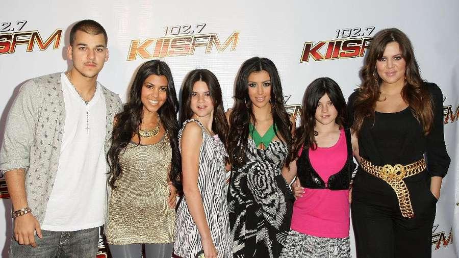 Yuk, Lihat Transformasi Kim Kardashian Hingga Sekarang (1)