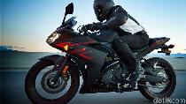 1.874 Motor Yamaha Model YZF-R3 Ditarik