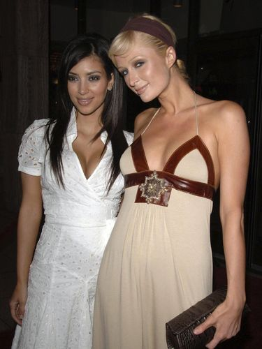 HOLLYWOOD - JUNE 01: (L-R) Socialites Kimberly Kardashian and Paris Hilton attend the premiere of HBO's
