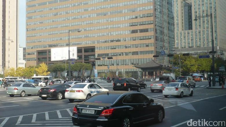 Jalanan di kota Seoul Foto: Dadan Kuswaraharja