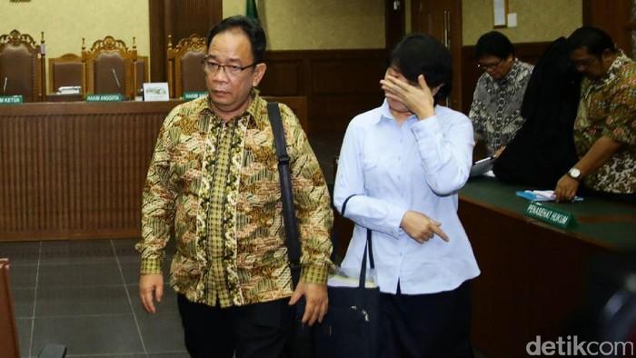 Pasangan suami istri terdakwa penyuap Irman Gusman divonis melakukan korupsi. Xaveriandy Sutanto dan Memi divonis 3 tahun dan 2,5 tahun.
