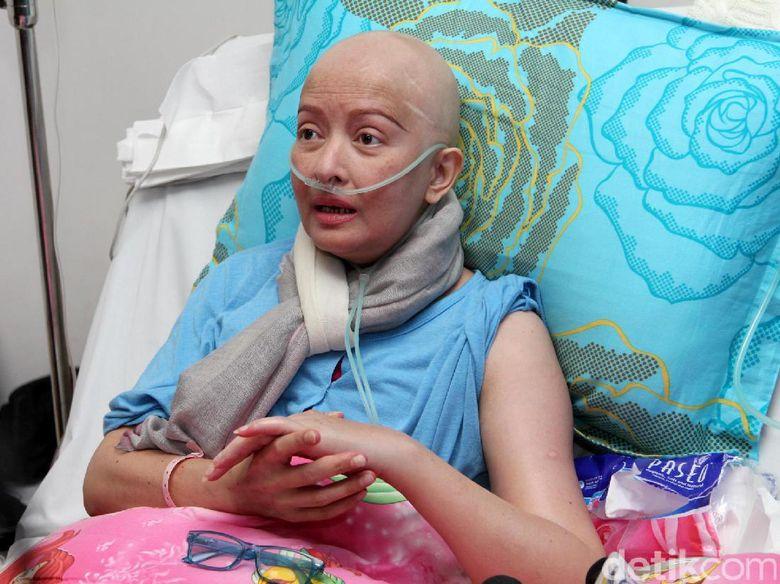 ingin sembuh dari kanker yana zein jalani pengobatan ke china