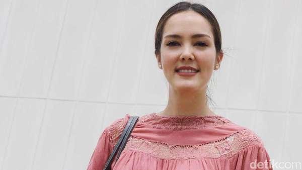 Makin Matang, Cathy Sharon Tetap Cantik