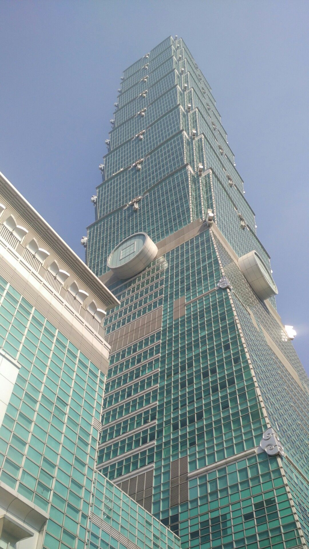 Mall mewah di Kota Taipei, Taiwan