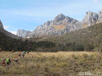 Rangkaian Pegunungan Tengah di 'perut' Papua (Afif Farhan/detikcom)