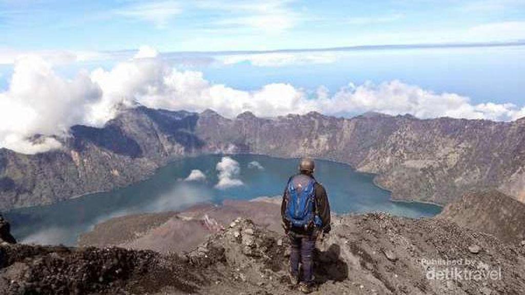 Mengenal Jalur Trekking Sembalun dan Senaru Gunung Rinjani