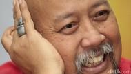 Lagi Senang Pakai Cincin Tengkorak, Indro Warkop Selalu Teringat Kematian