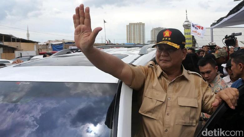 Prabowo Dampingi Anies-Sandi Kampanye di Kampung Akuarium