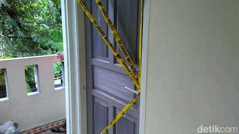 Polisi Minta Keterangan Teman Sekitar Rumah Tri Arum