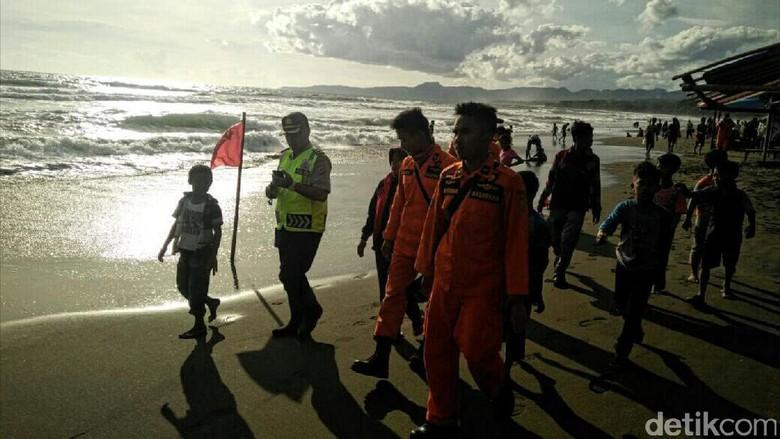Libur Lebaran, Objek Wisata Air di Jabar Dikawal Polisi