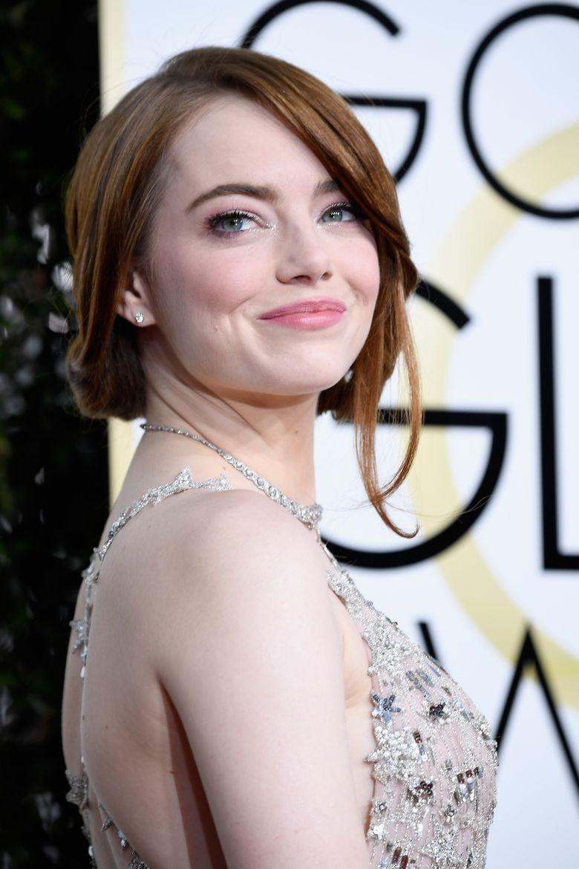Emma Stone saat saat menghadiri acara red carpet Golden Globe di California, AS pada Minggu (8/1/2017) waktu setempat. Frazer Harrison/Getty Images/detikFoto.