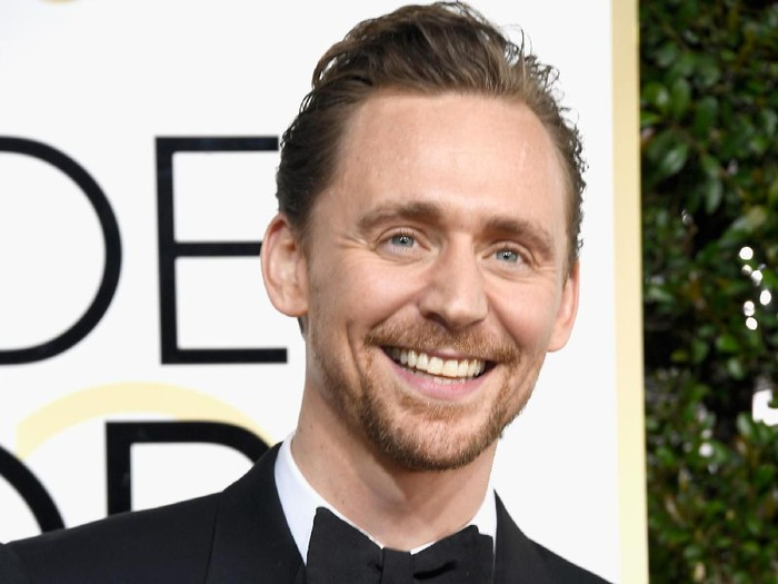 BEVERLY HILLS, CA - JANUARY 08:  Actor Tom Hiddleston attends the 74th Annual Golden Globe Awards at The Beverly Hilton Hotel on January 8, 2017 in Beverly Hills, California.  (Photo by Frazer Harrison/Getty Images)