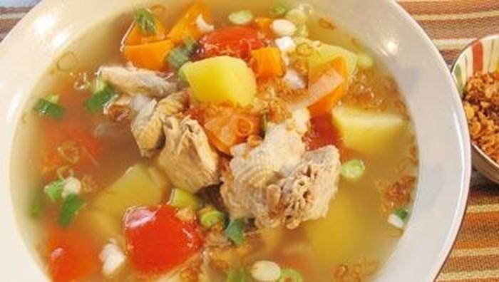 Sup ayam rumahan bisa cegah penilaran malaria. (Foto: iStock/detikfood)
