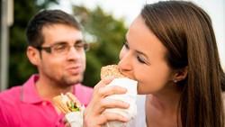 Setelah menikah banyak hal yang berubah, salah satunya kesehatan tubuh. Ini manfaatnya yang dialami tubuh pasca menikah.