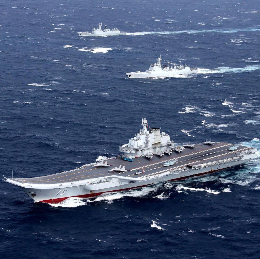 Halau Kapal AS, China Kerahkan Jet Tempur dan Kapal Perang