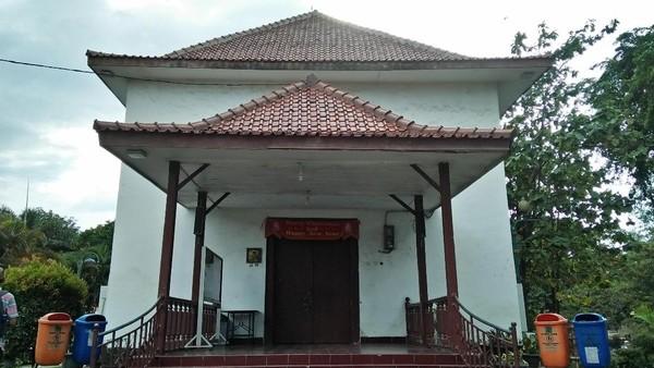 Gereja Tugu di kawasan Semper, Jakarta Utara. Berlokasi di pemukiman Betawi Kristen, gereja ini juga menjadi bukti perjalanan panjang keturunan Portugis yang dibawa sebagai budak ke Jakarta (Melissa Bonauli/detikcom)