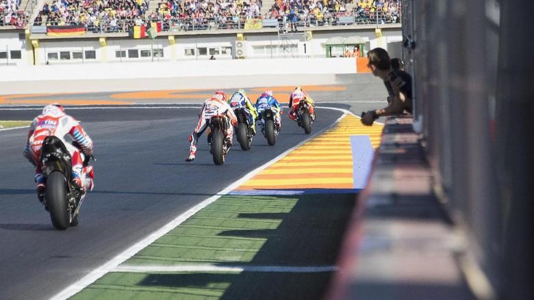 Ilustrasi Moto GP (Mirco Lazzari)