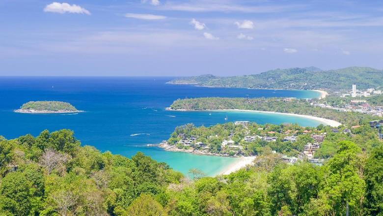 Pantai di Phuket (Dok. Tourism Authority of Thailand)