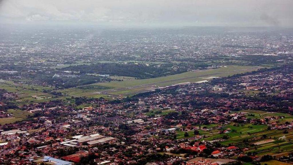 Bandara Adisutjipto Ditutup Sementara Gara-gara Merapi