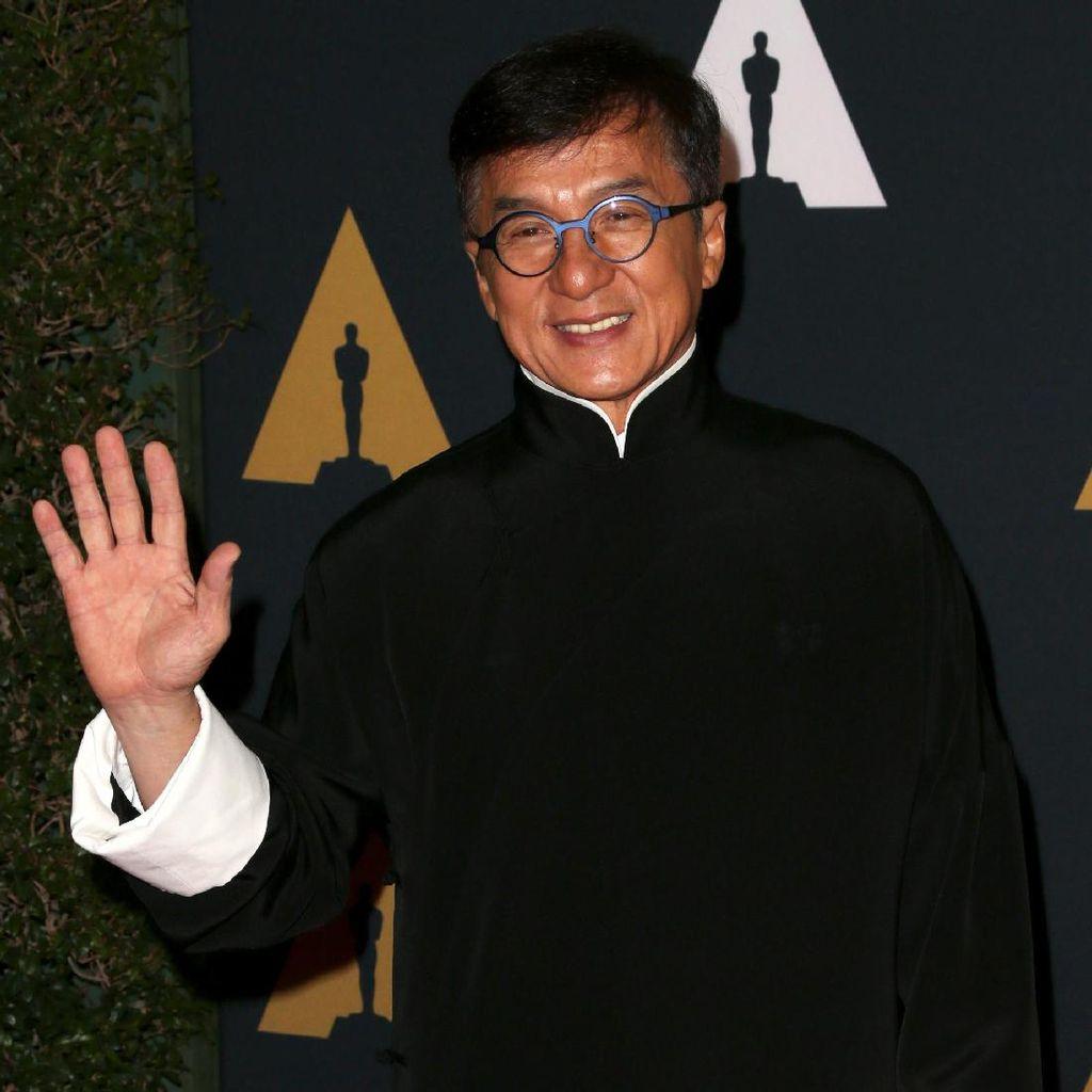 Memoar Never Grow Up Ceritakan Masa Kejayaan Jackie Chan