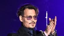 Isu Amber Heard Threesome, Johnny Depp Hibur Anak-anak di Rumah Sakit