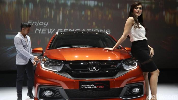 PT Honda Prospect Motor meluncurkan MPV Mobilio versi terbaru di Djakarta Theatre, Jakarta, Kamis (12/1/2017). Mobil tersebut dibanderol dengan harga mulai dari Rp 189,5 juta.