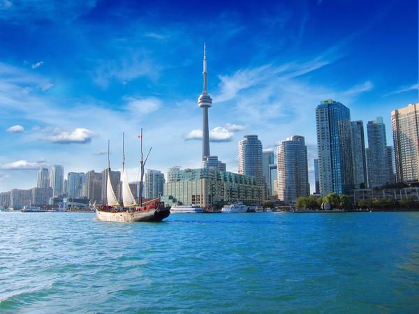 Toronto di Kanada punya kualitas udara yang baik. Ribuan aktivitas outdoor juga dapat dilakukan di sana. Foto: (Thinkstock)