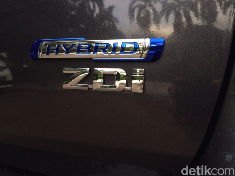 Spy Shot Suzuki Ertiga Hybrid