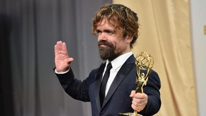 Aktor Game of Thrones, Peter Dinklage Buktikan Tubuh Kerdil Bisa Sukses
