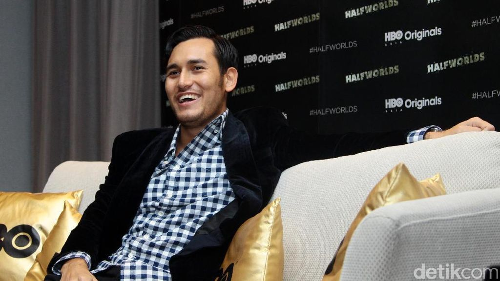 Terpikirkan Banting Setir, Arifin Putra Pilih Jadi Penulis Novel dan Kolumnis