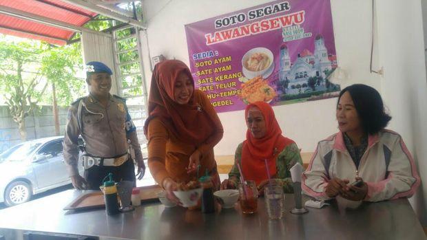 Kisah Polisi di Semarang yang Gratiskan Soto Setiap Hari Jumat