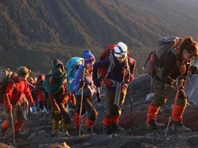 Mau Mendaki Gunung Semeru? Simak 4 Tips Ini