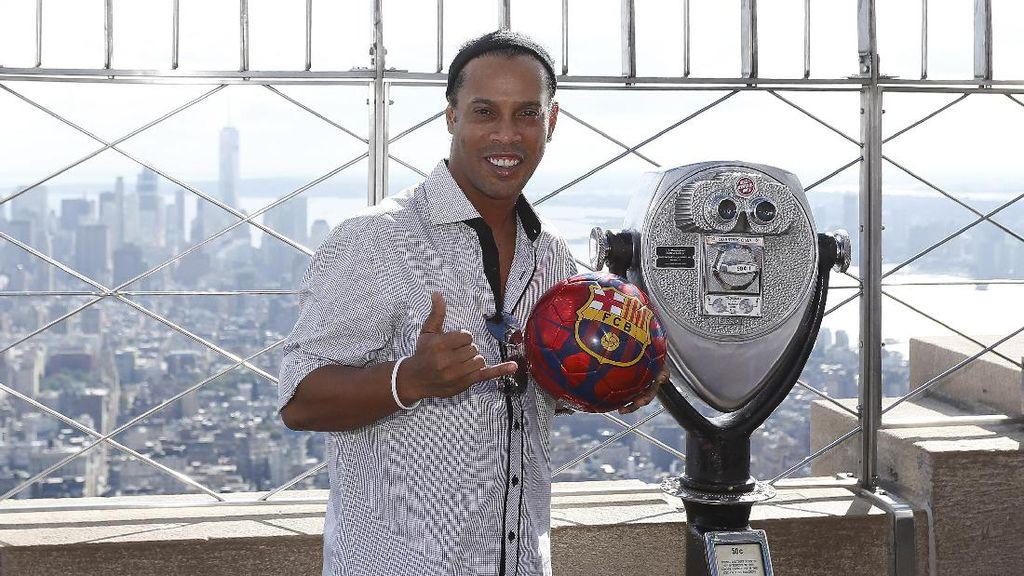 Ronaldinho Akan Nikahi Dua Perempuan Sekaligus?