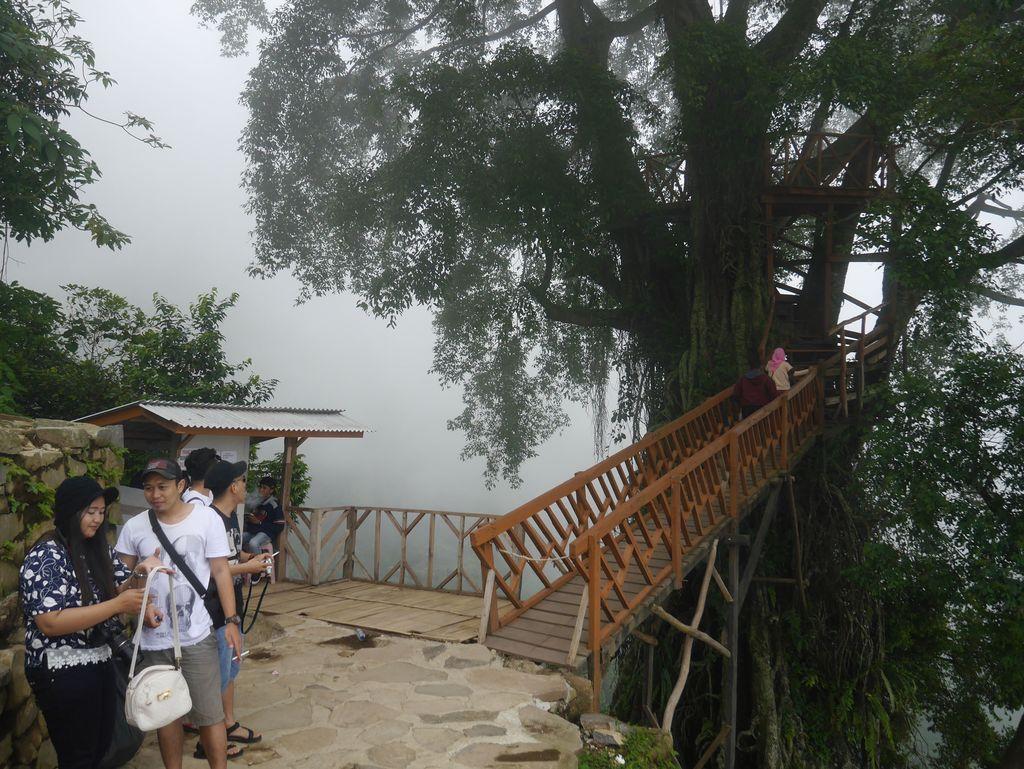 Keindahan Curug Ciherang di Bogor