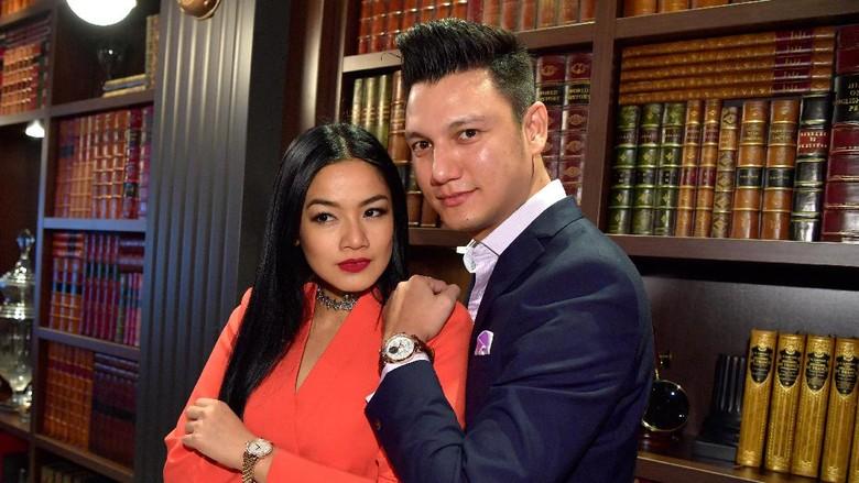 Titi Kamal dan Christian Sugiono (Foto: Harold Cunningham/Getty Images for IWC)