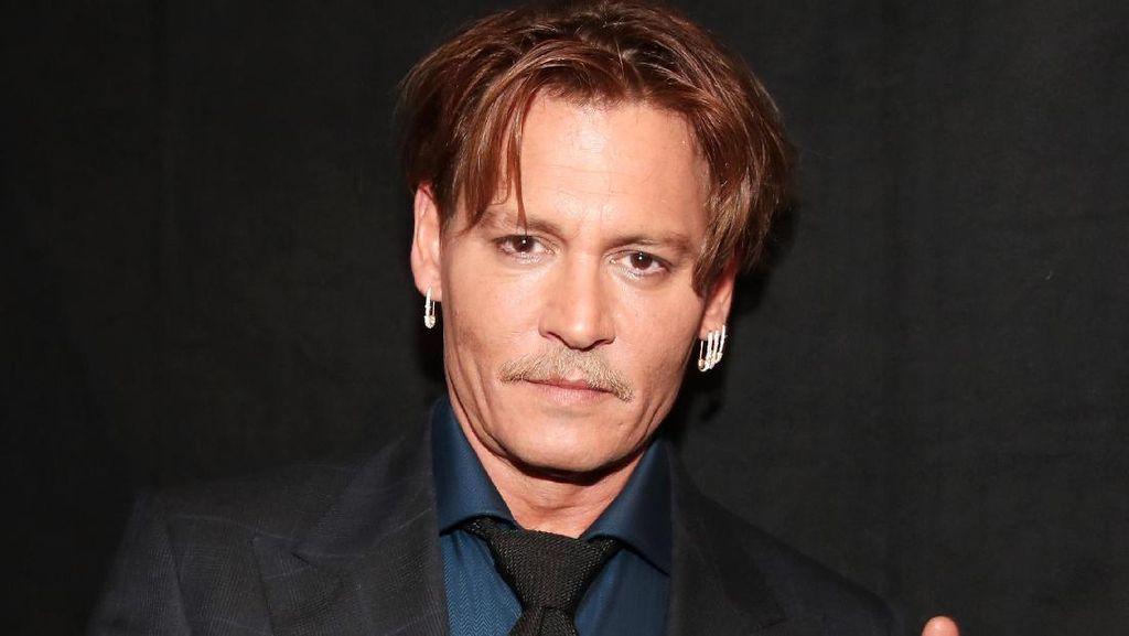 Kini Berstatus Duda, Rumah Johnny Depp Dikabarkan Tak Terurus