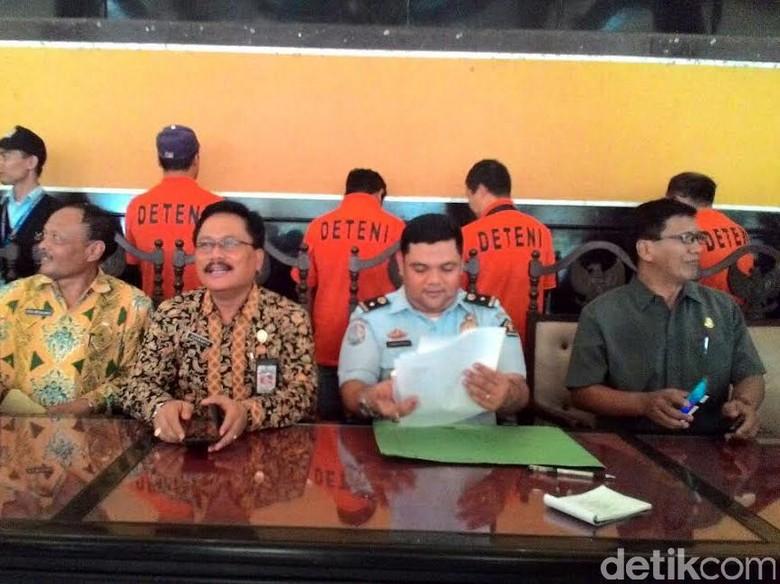 Jadi Buruh Kasar, 4 TKA Ilegal Ditangkap di Jombang
