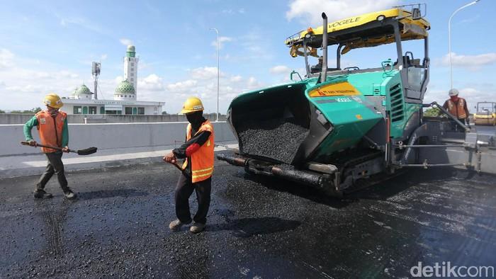 Proyek pembangunan Tol Bekasi-Cawang-Kampung Melayu (Becakayu) telah mengalami perkembangan yang pesat. Saat ini pembangunan tol Seksi I sudah mencapai 85,35%.