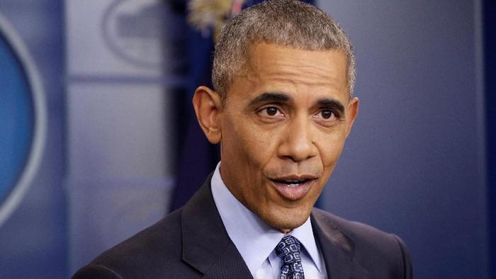 Barack Obama, mantan presiden AS yang akhirnya berhenti merokok setelah sekian lama berkat istrinya. (Foto: REUTERS/Joshua Roberts)