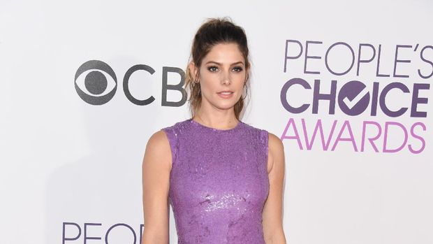 LOS ANGELES, CA - JANUARY 18:  Actress Ashley Greene attends the People's Choice Awards 2017 at Microsoft Theater on January 18, 2017 in Los Angeles, California.  (Photo by Alberto E. Rodriguez/Getty Images)